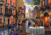dîner au bord d'un canal à Venise