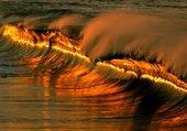 coucher de soleil sur vague