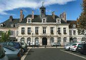 L'HOTEL DE VILLE DE CHATEAUDUN