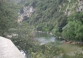 Cayakistes A Vallon Pont d'Arc