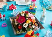 Repas festif fleuri