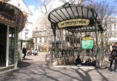 Montmartre place des abbesses