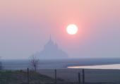 soleil levant sur le Mont Saint Michel