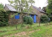 Maison aux volets bleus