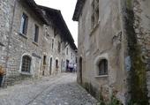 Rue pavée de Pérouges 69