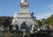 fontaine place des quinconces Bordeaux