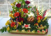 Composition de fleurs et de bonbons