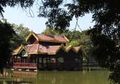 Restaurant sur le fleuve