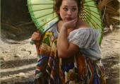 Jeune fille au parasol