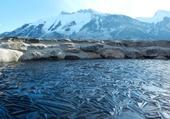 étang gelé en suisise