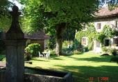 Fontaine et maison