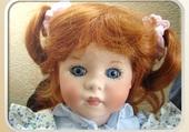 la poupée rousse avec couettes