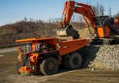 DUMPER & PELLE HITACHI EN CARRIERE
