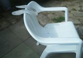 semelles posées sur une chaise