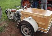 d'une moto Peugeot