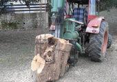 Tracteur avec fendeuse bois