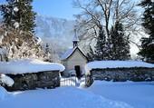 chapelle sous la neige