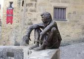 Sarlat statue