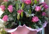 Joli bouquet avec des roses