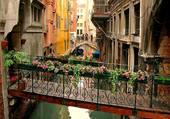 Petit pont a Venise