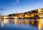 Lyon à la tombée de la nuit