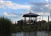 Carbet dans la lagune