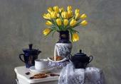 tulipes à l'heure du thé