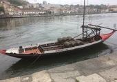 Bateau pour le transport du vin à Porto