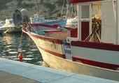 Un bateau de pêche / port de  Bonifacio
