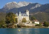 Chateau sur le lac d'Annecy