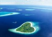 île en forme de cœur