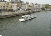Bâteau-mouche _ Paris