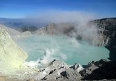 Lac du cratère Volcan Kawa Ijen