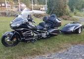 1800 GOLDWING ET REMORQUE