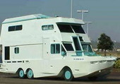 CAMION CAMPING AMPHIBIE