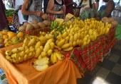 Marché aux fruits exotiques