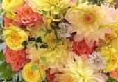tres joli bouquet dans les tons pales