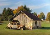 Puzzle Vieux chalet et vieille voiture rouillée
